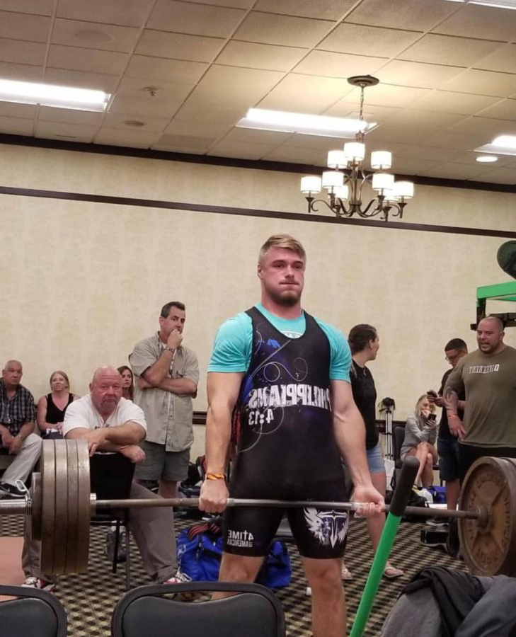 Senior+Noah+Strine+pulls+515+pounds+in+his+state+record+deadlift.+On+that+day%2C+Strine+also+set+a+world+bench+press+record+for+his+age.+